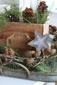36 Brilliant Ideas How To Use Pinecone For Indoor Christmas Decoration 19