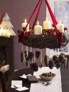 36 Brilliant Ideas How To Use Pinecone For Indoor Christmas Decoration 24