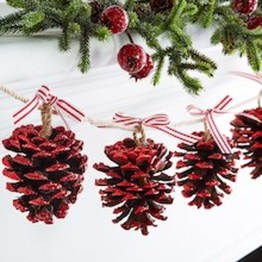 36 Brilliant Ideas How To Use Pinecone For Indoor Christmas Decoration 28