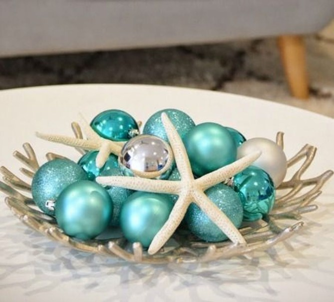 37 Relaxed Beach Themed Christmas Decoration Ideas 34