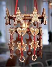 37 Totally Adorable Traditional Christmas Decoration Ideas 34