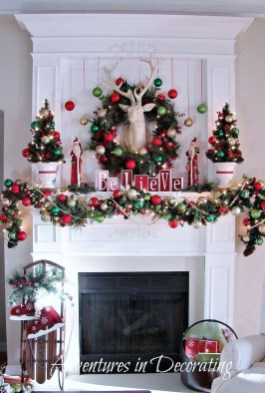 37 Totally Adorable Traditional Christmas Decoration Ideas 35
