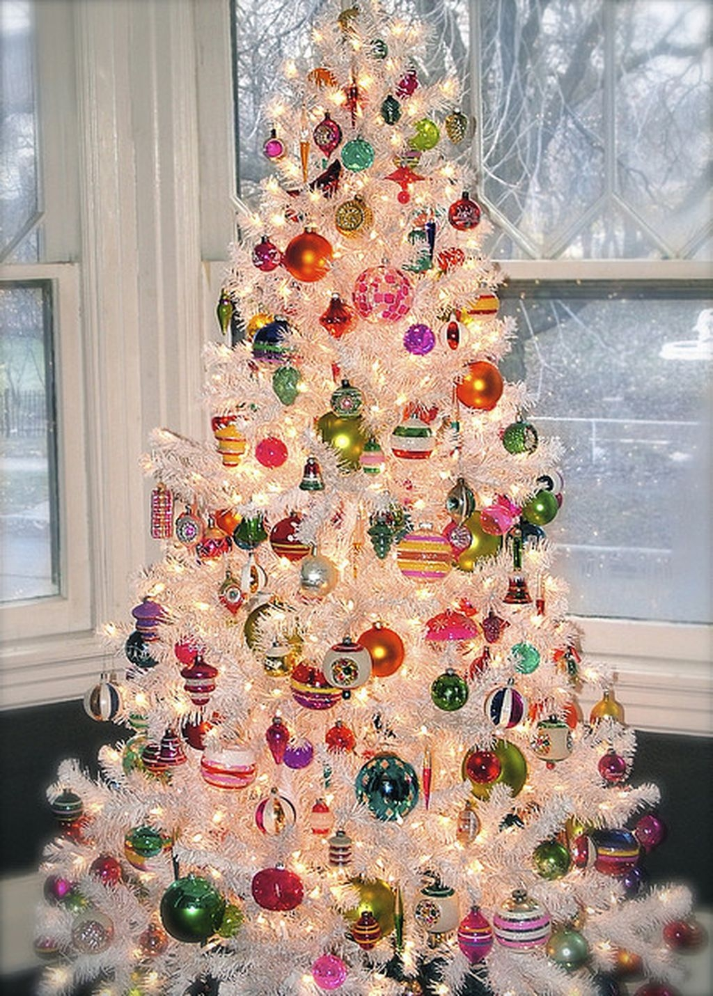 37 Totally Beautiful Vintage Christmas Tree Decoration Ideas 10