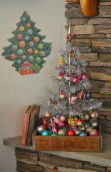 37 Totally Beautiful Vintage Christmas Tree Decoration Ideas 31
