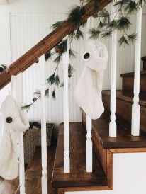 38 Cool And Fun Christmas Stairs Decoration Ideas 10