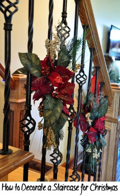 38 Cool And Fun Christmas Stairs Decoration Ideas 24