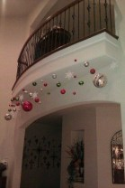 38 Cool And Fun Christmas Stairs Decoration Ideas 28