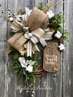 38 Stunning Christmas Front Door Decoration Ideas 07