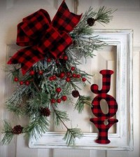 38 Stunning Christmas Front Door Decoration Ideas 29