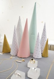 40 Amazing Ideas How To Use Jingle Bells For Christmas Decoration 03