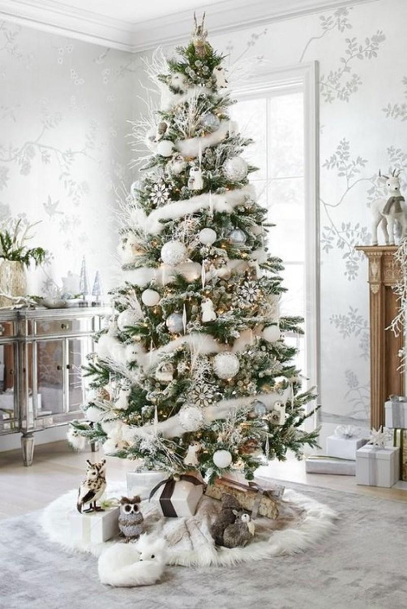 40 Awesome Scandinavian Christmas Decoration Ideas 31