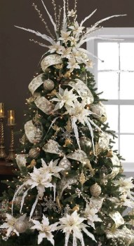 40 Ezciting Silver And White Christmas Tree Decoration Ideas 03