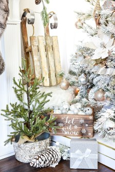 40 Ezciting Silver And White Christmas Tree Decoration Ideas 11