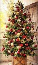 Beautiful Rustic Outdoor Christmas Decoration Ideas 02