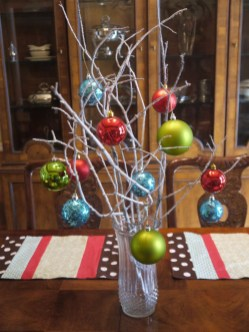 Brilliant DIY Christmas Centerpieces Ideas You Should Try 40