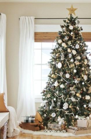 Cozy Christmas House Decoration 02