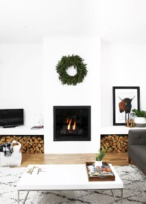 Cozy Christmas House Decoration 18