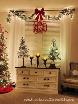 Cozy Christmas House Decoration 23