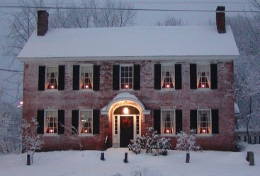 Cozy Christmas House Decoration 30