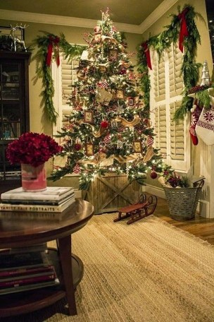 Cozy Christmas House Decoration 32