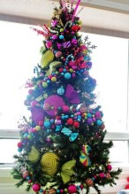 Cute And Colorful Christmas Tree Decoration Ideas To Freshen Up Your Home 42