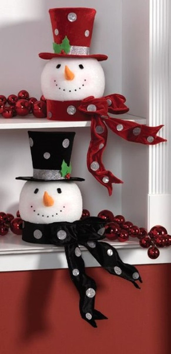 Cute And Cool Snowman Christmas Decoration Ideas 23