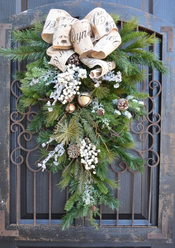 elegant rustic christmas decoration ideas stands