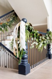 Elegant Rustic Christmas Decoration Ideas That Stands Out 35