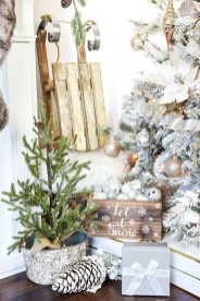 Elegant Rustic Christmas Decoration Ideas That Stands Out 38