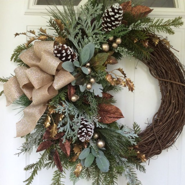 Elegant Rustic Christmas Decoration Ideas That Stands Out 44
