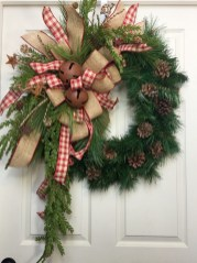Elegant Rustic Christmas Wreaths Decoration Ideas To Celebrate Your Holiday 10