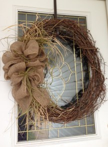 Elegant Rustic Christmas Wreaths Decoration Ideas To Celebrate Your Holiday 20
