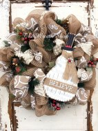 Elegant Rustic Christmas Wreaths Decoration Ideas To Celebrate Your Holiday 28