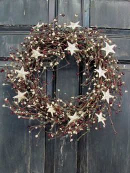 Elegant Rustic Christmas Wreaths Decoration Ideas To Celebrate Your Holiday 40