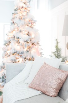 Gorgeous Pink And Gold Christmas Decoration Ideas 03