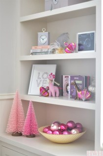 Gorgeous Pink And Gold Christmas Decoration Ideas 14