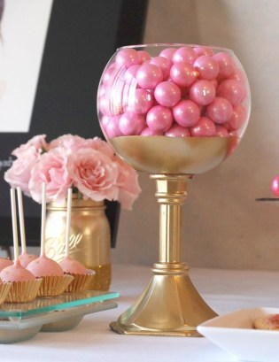 Gorgeous Pink And Gold Christmas Decoration Ideas 25