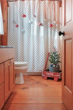 Inspiring Christmas Decoration Ideas For Your Apartment 08