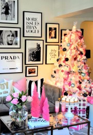 Inspiring Christmas Decoration Ideas For Your Apartment 14