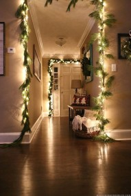 Inspiring Christmas Decoration Ideas For Your Apartment 20