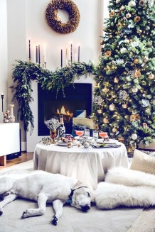 Inspiring Christmas Decoration Ideas For Your Apartment 31
