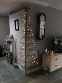 Inspiring Christmas Decoration Ideas For Your Apartment 38
