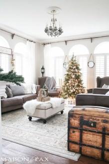 Inspiring Chritsmas Livingroom Ideas 25