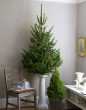 Inspiring Home Decoration Ideas With Small Christmas Tree 08