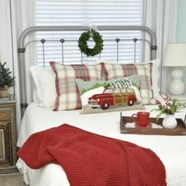 Simple Christmas Bedroom Decoration Ideas 02