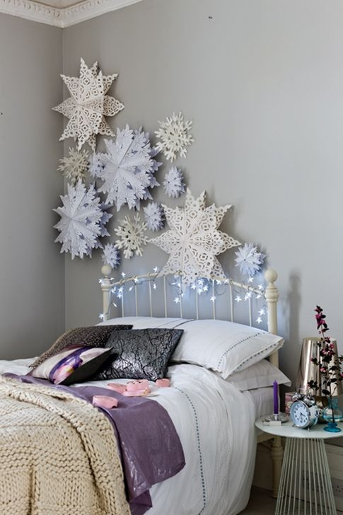 Simple Christmas Bedroom Decoration Ideas 05