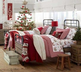 Simple Christmas Bedroom Decoration Ideas 14