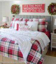 Simple Christmas Bedroom Decoration Ideas 17