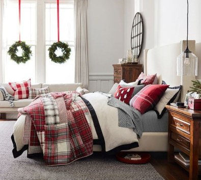 Simple Christmas Bedroom Decoration Ideas 31