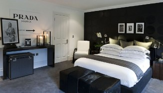 Stunning Black And White Bedroom Decoration Ideas 03